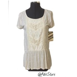 Eyeshadow NWT Women Embroidered Short Sleeve Top M